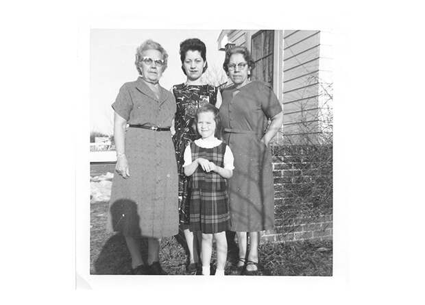 ДДТ в крови бабушек связали с риском полноты и ранних месячных у их внучек