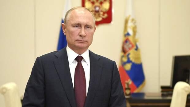 Путин назвал 1 июля подходящей датой для проведения голосования по Конституции