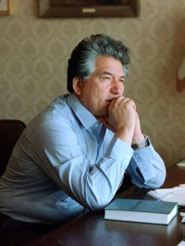Чингиз Айтматов. / Фото: www.24smi.org