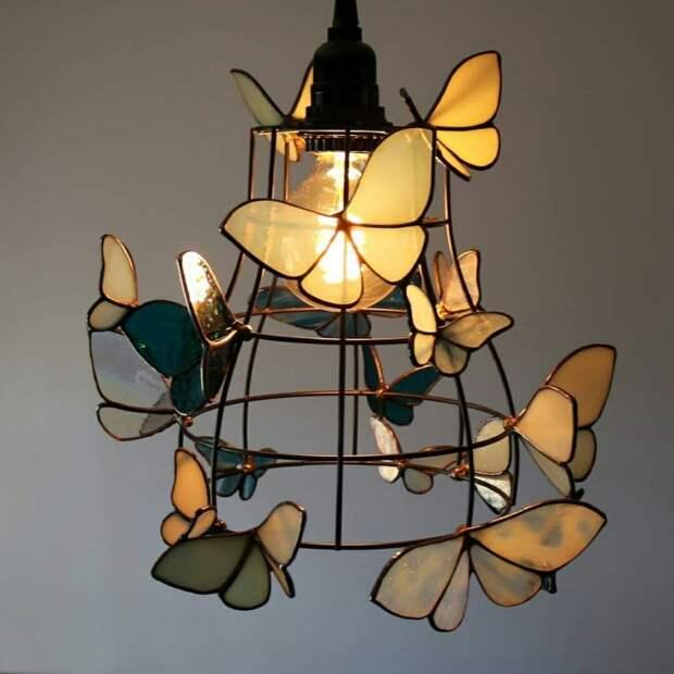 Кованая (?) люстра с бабочками