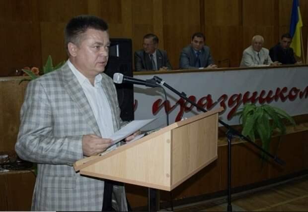 Семья экс-министра обороны Украины в судах Севастополя сохранила 3 млн