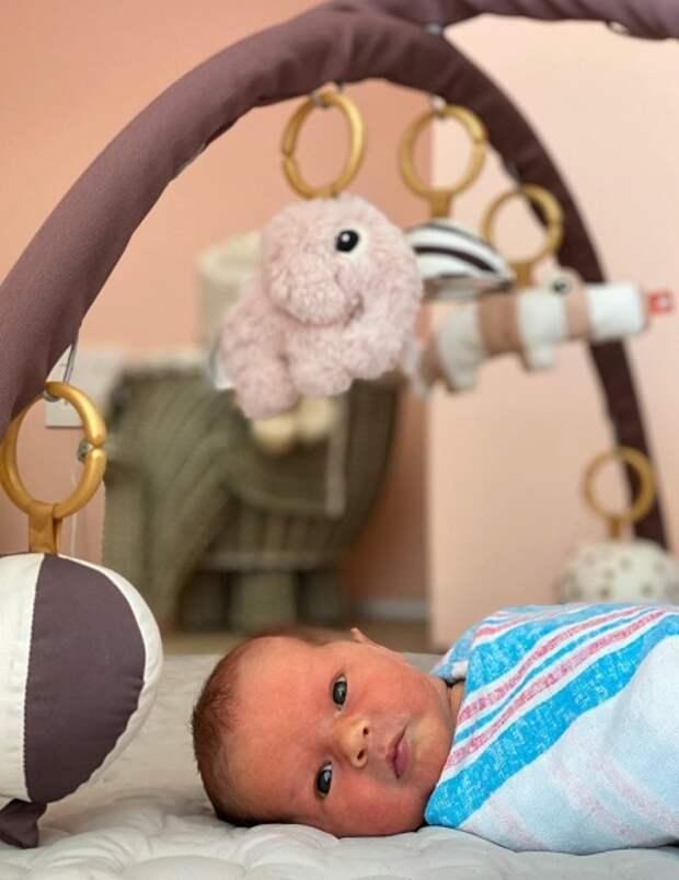Сестра Хейли Бибер Алайа впервые стала матерью