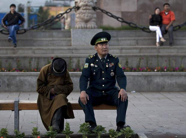 Монгольские военнослужащий