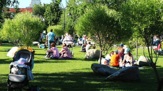 Дни между майскими праздниками в России объявят выходными