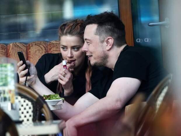 В сети появились интимные фотографии Эмбер Херд и Илона Маска