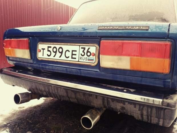 Две трубы всегда лучше, чем одна. | Фото: drive2.ru.