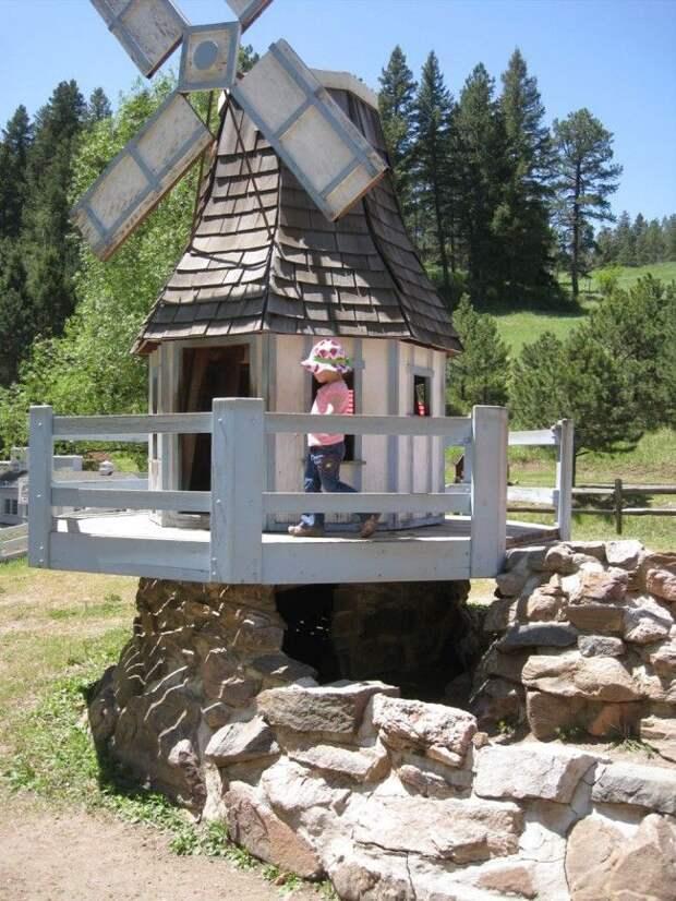 Детский игровой домик в виде мельницы