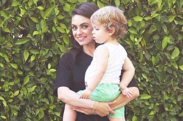 Минутка мимими: Мила Кунис на прогулке с сыном в Лос-Анджелесе