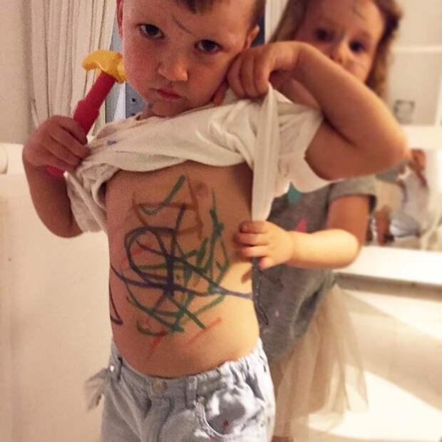 11. Первые татуировки дети, дети и родители, нашкодили, оставили на 5 минут, смешно, фото