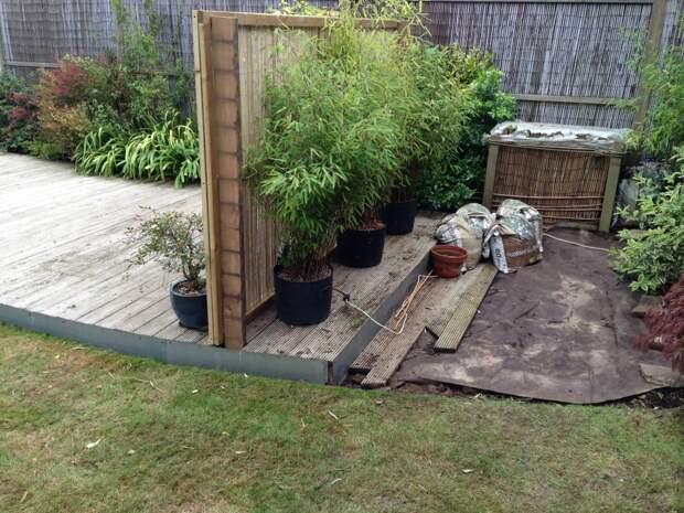 Стенка из бамбука скрывающая компостер