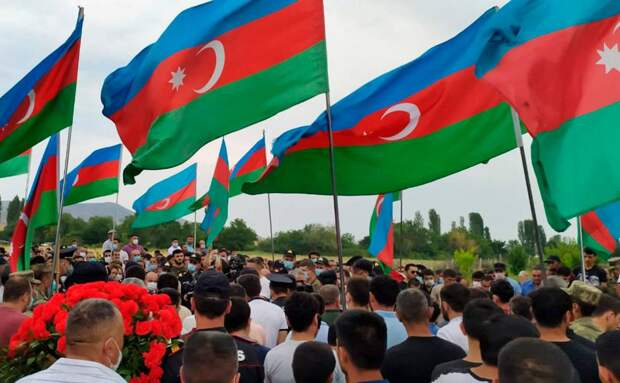 Обострение конфликта: армянские и азербайджанские СМИ о противостоянии
