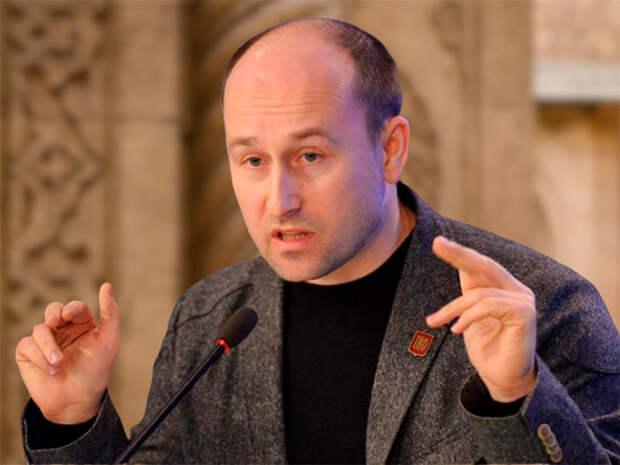 Стариков заявил, что о возможном изъятии банковских вкладов россиян, распространяют слух лишь агенты Госдепа США
