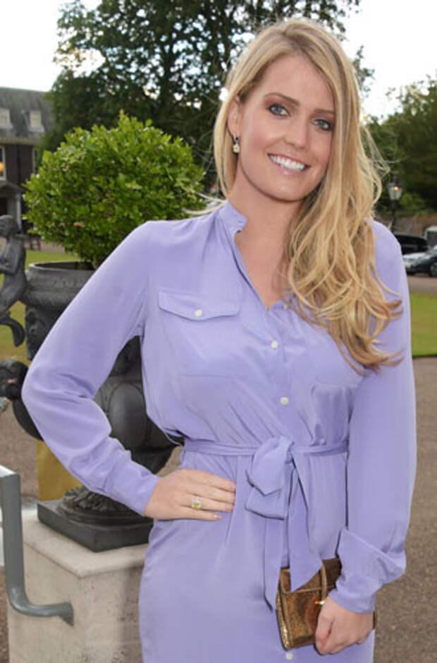фиолетовый цвет в одежде Леди Китти Спенсер