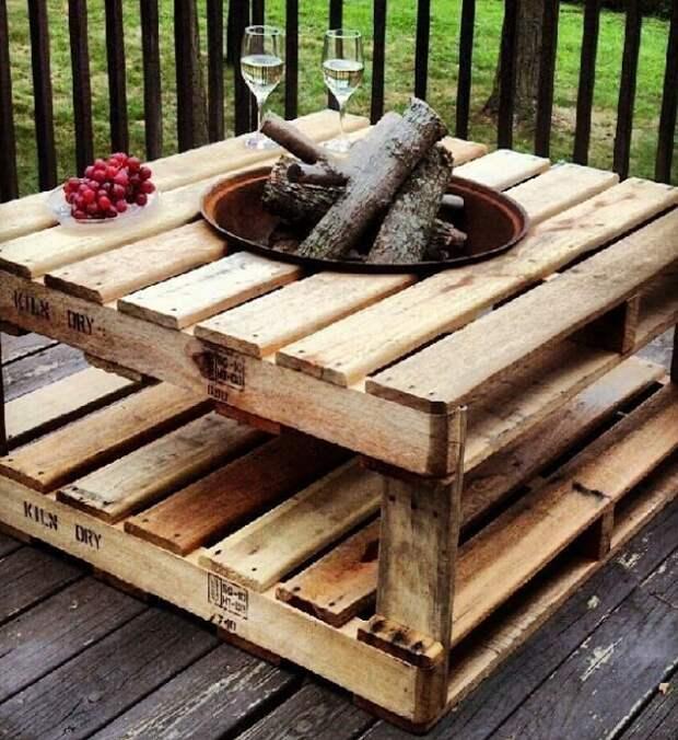 Необработанная древесина – идеально подойдет для зоны барбекю.   Фото: pinterest.com.