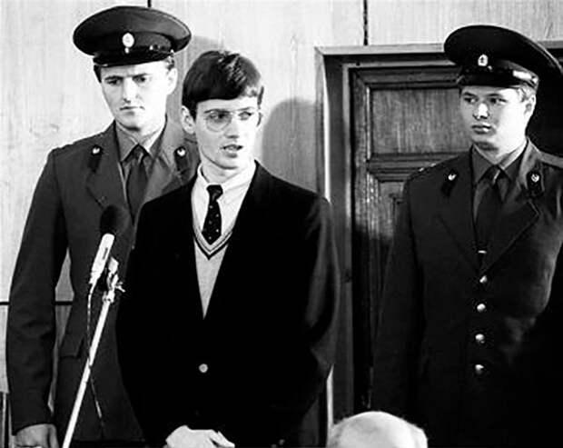 4 факта про немецкого пилота, который приземлился на Красной площади