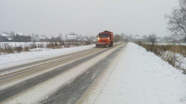 Дорожные и коммунальные службы Подмосковья привлекли более 8 тыс. человек для уборки снега