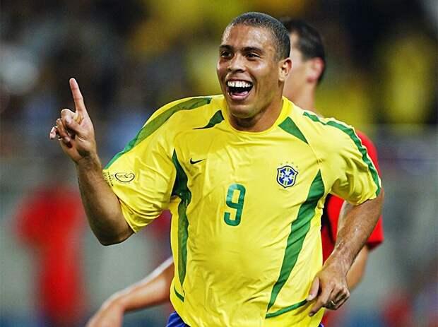Лучшие футболисты в истории: 15 легендарных талантов