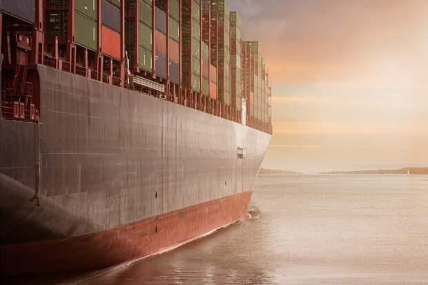 Новая попытка освободить Суэцкий канал от контейнеровоза не увенчалась успехом