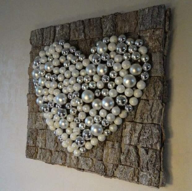 сердечко из елочных шаров