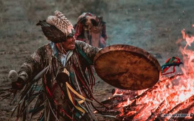 Дать в бубен. Для чего учёные изучают шаманов? - Nikkuro — КОНТ