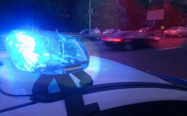 Автомобиль каршеринга протаранил такси в центре Москвы