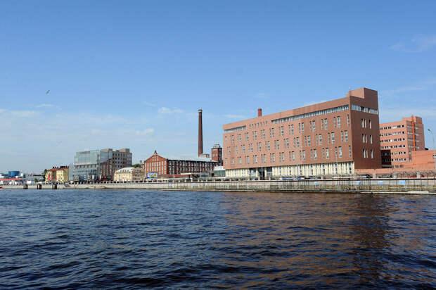 DSC 50281 Нефасадный Петербург: вид с воды