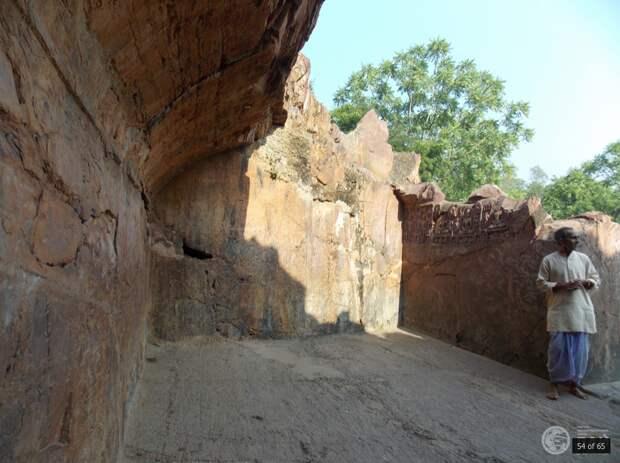 Сон Бхандар: что общего между египетскими пирамидами и пещерами Древней Индии