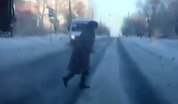 Новотройчанка пострадала под колесами  «Волги»