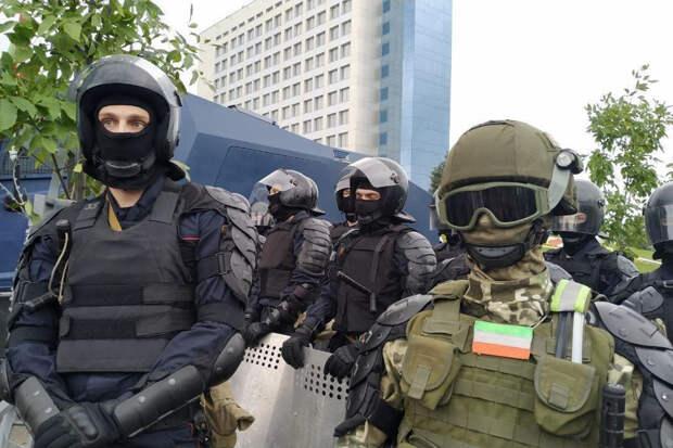 ОМОН применил оружие для разгона протестующих в Минске