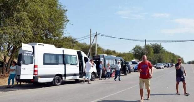 Дорога на Ай-Петри перекрыта для туристов, на канатке – многочасовые очереди