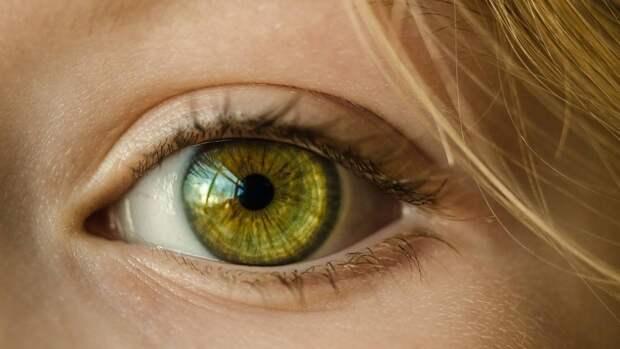 Нечеткость зрения может являться признаком начальной стадии диабетической ретинопатии