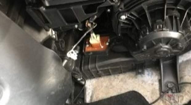 Как снять моторчик печки на Kia Ceed своими руками. Снятие и замена вентилятора отопителя Сид