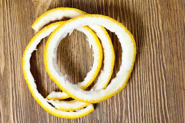 В апельсиновой кожуре содержится ценный лемонен
