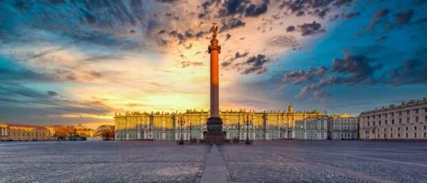 В 2021 году на Дворцовой площади планируют впервые провести книжный фестиваль
