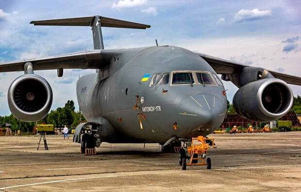 Украинское Минобороны впервые с 1990 года закупает транспортные самолеты Ан-178