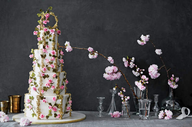 Сладкие шедевры: балерина-кондитер создает роскошные торты