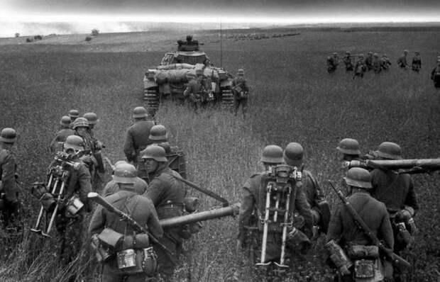 Почему в фашистской Германии были уверены, что одолеют СССР за 2 месяца?