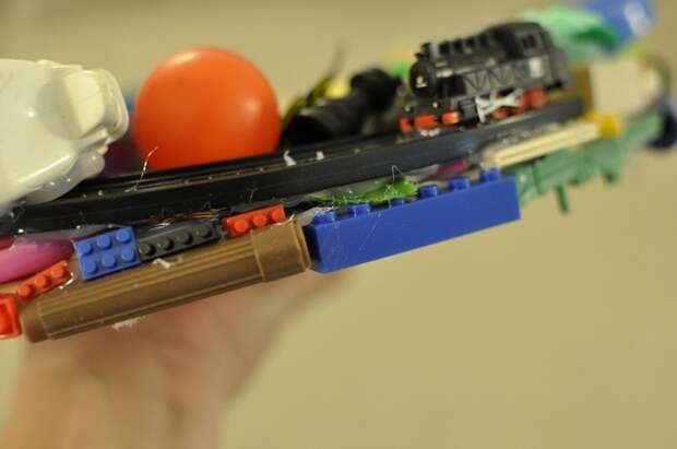 Супер креативная идея, как утилизировать ненужные и сломанные детские игрушки
