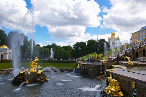 Стала известна дата открытия Петергофа и Царского села