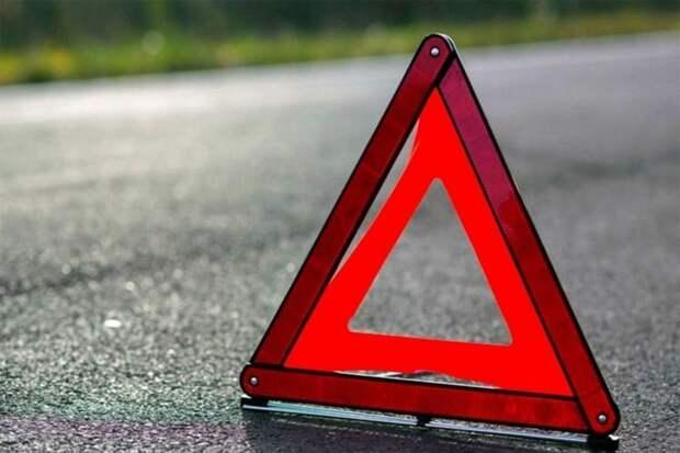 В Твери на проспекте Калинина столкнулись три автомобиля