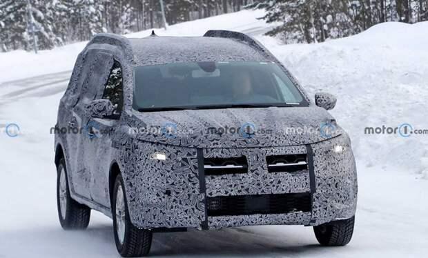 Dacia проводит дорожные тесты нового универсала Logan Stepway Wagon