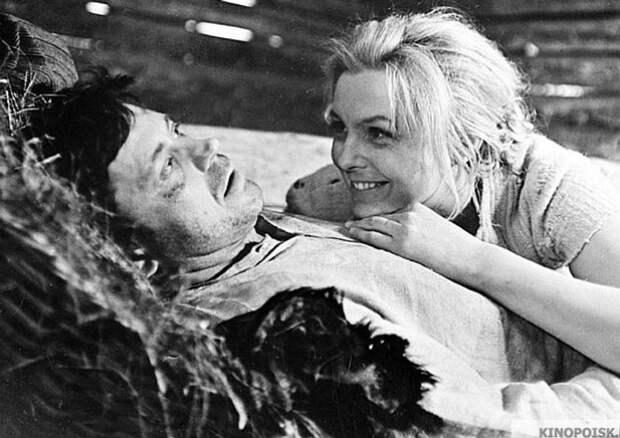 """Кадр из фильма """"Никто не хотел умирать""""."""