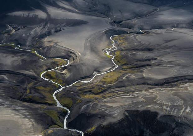 Захватывающие воздушные фотографии живописных узоров Земли от московского фотографа