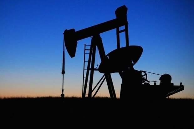 Страны ОПЕК+ продлили дедлайн по компенсации избыточной добычи нефти