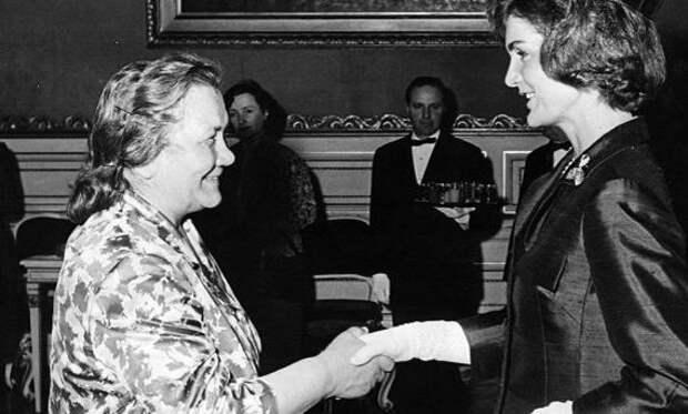 От Нины Хрущевой до наших дней. Модные ляпы первых леди, вошедшие в историю