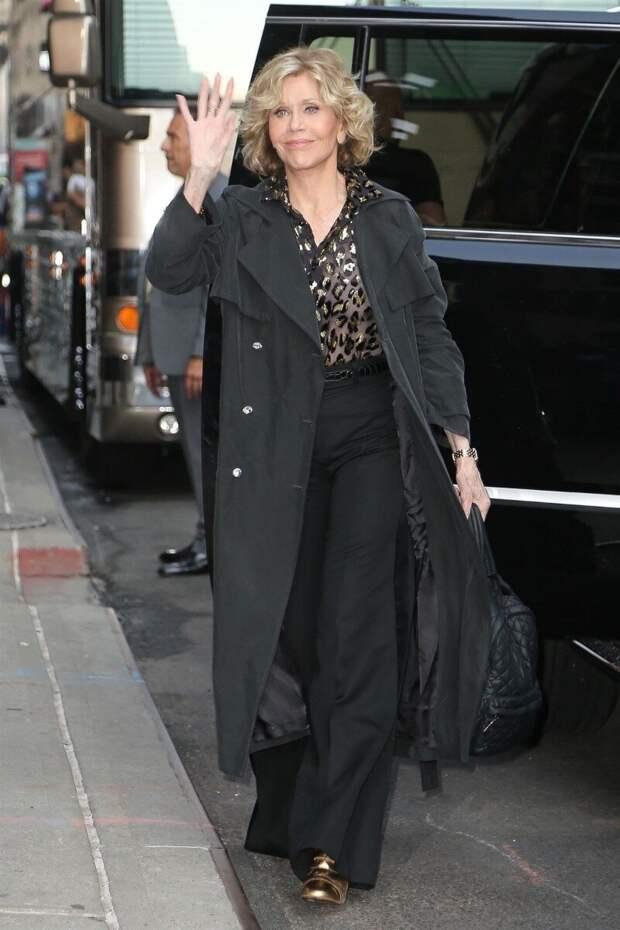 Как выглядит и что носит сейчас Джейн Фонда, которая в декабре отметила 83 день рождения