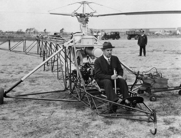 1939 год. Игорь Сикорский управляет своим аппаратом Весь Мир, история, фотографии