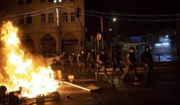В Иерусалиме задержали полсотни человек во время столкновений израильтян с арабами