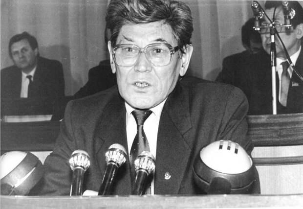 Ануарбек Алимжанов: кем был человек, который ликвидировал СССР