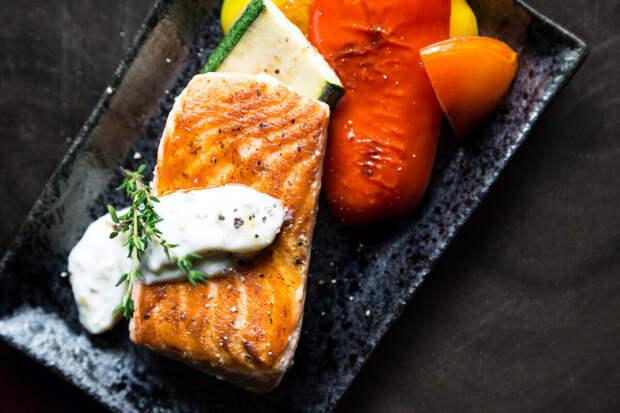 Подборка советов для блюд из рыбы ( 2 часть) и рецепт жареного карпа в сметане.